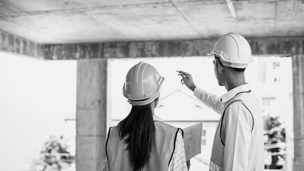 Équipe supervisant les travaux d'aménagement
